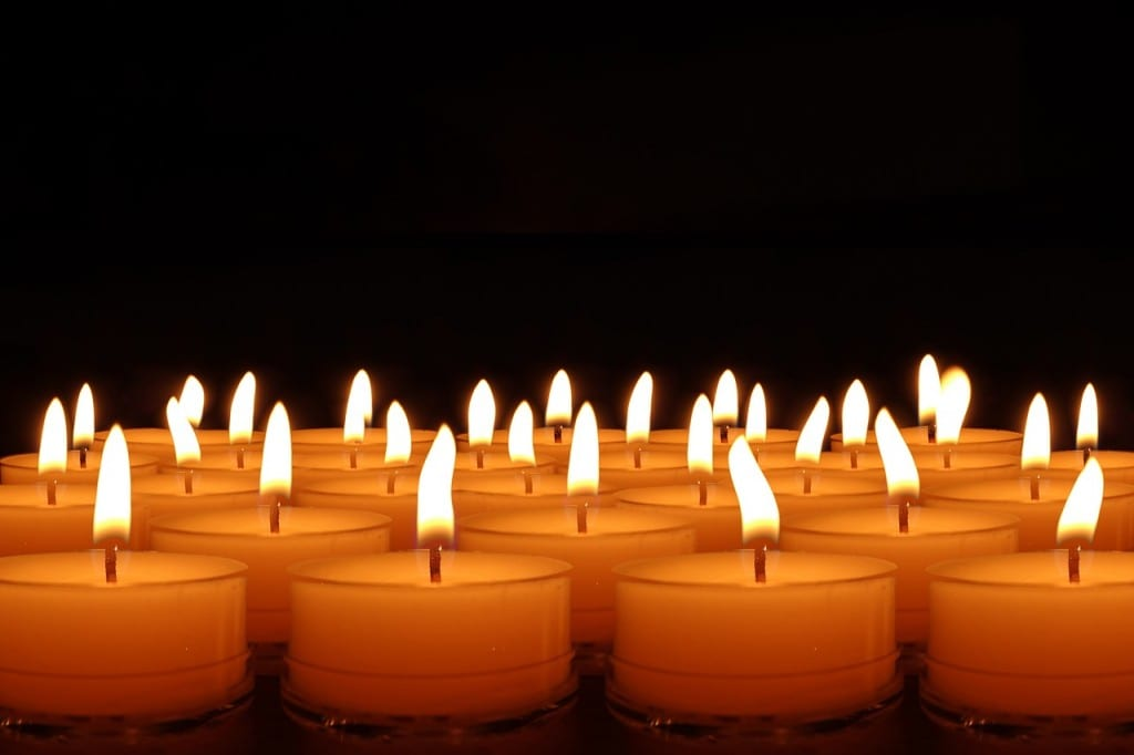 candles-492171_1280