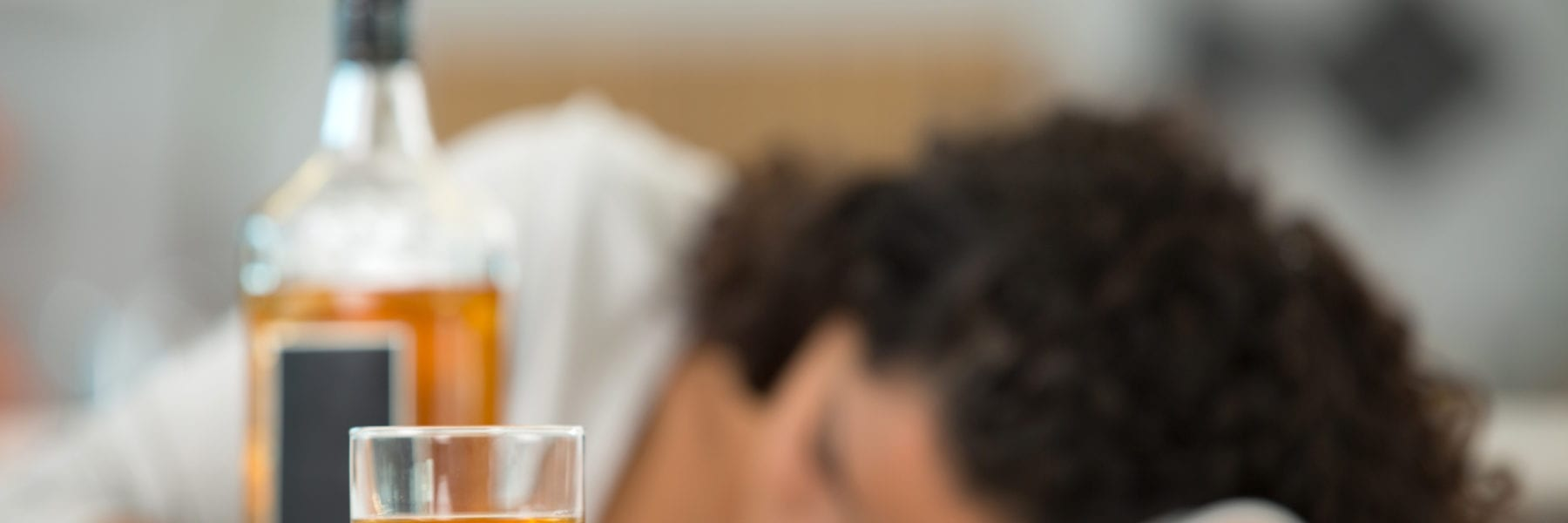 woman addiction alcohol