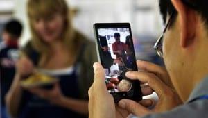 mobile phone virtual online digital movendi people